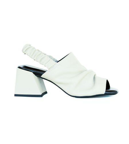 crbk00375-sandalia-couro-tira-larga-off-white-2